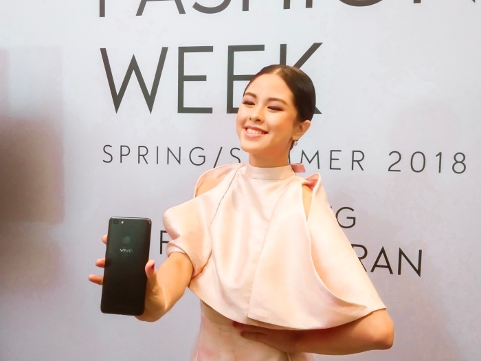 Vivo V7+ influencer Kisses Delavin is Francis Libiran's muse at the MEGA Fashion Week Spring Summer 2018