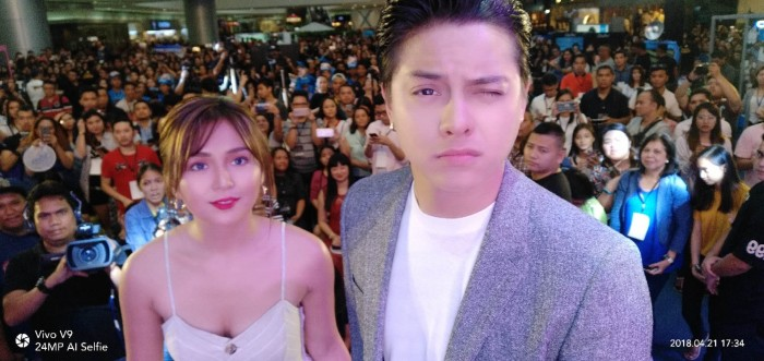 KathNiel on April 21, 2018 Saturday enjoying taking selfie using their Vivo V9