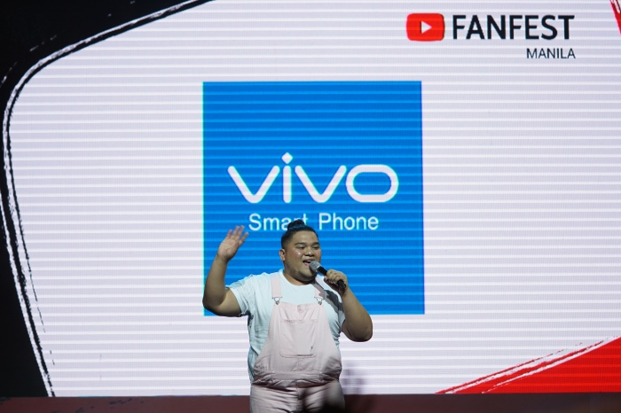 YouTube star Lloyd Cadena delighted fans with his humor and energy.
